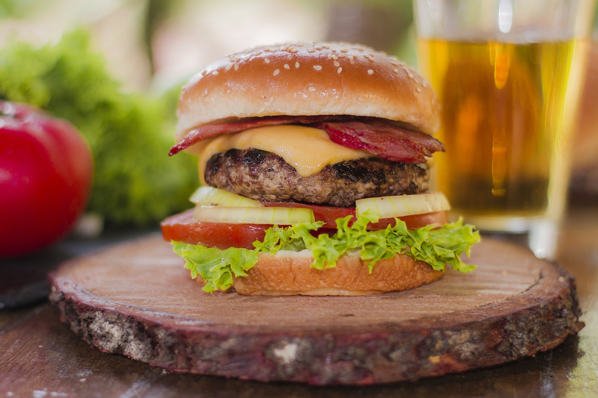 Exclusive Data on the Top 7 Food and Drink Advertisers, from McDonald's to Anheuser-Busch - Featured Image